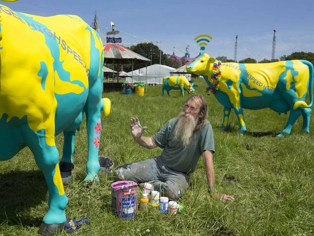 Glastonbury 2014 - WiFi cows - Independant